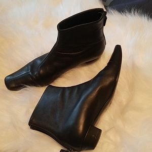 Gucci Kitten Heel Ankle Booties Size 7B